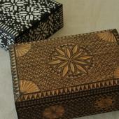 木彫箱(中)